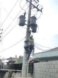 Quang Anh CGTE build pole mounted transformers to fit specific applications from 3x15KVA through 3x100KVA, with primary voltage ratings up to 22kv. In addition, we have single-phase pole-type transformers from 15KVA to 100KVA.
